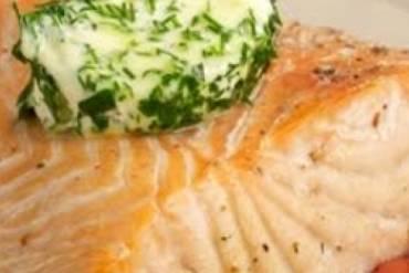 Φιλέτο σολομού με μουστάρδα και ψητά λαχανικά